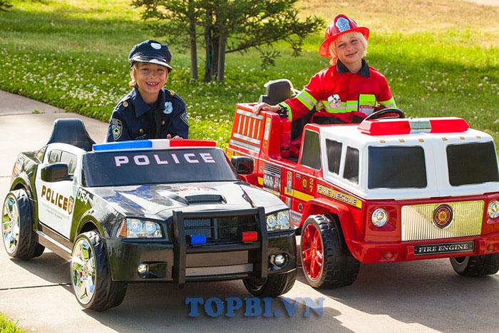 xe ô tô điện cảnh sát đồ chơi