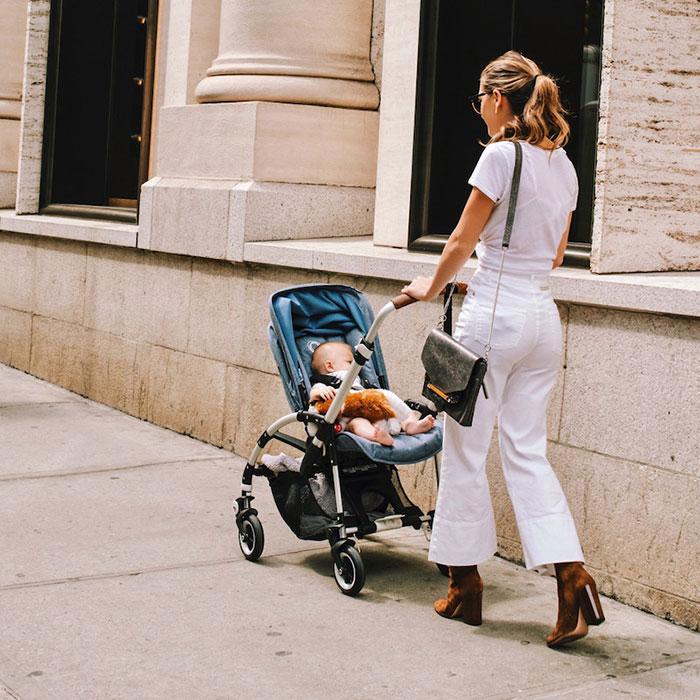 Trẻ mấy tháng tuổi ngồi được xe đẩy 2