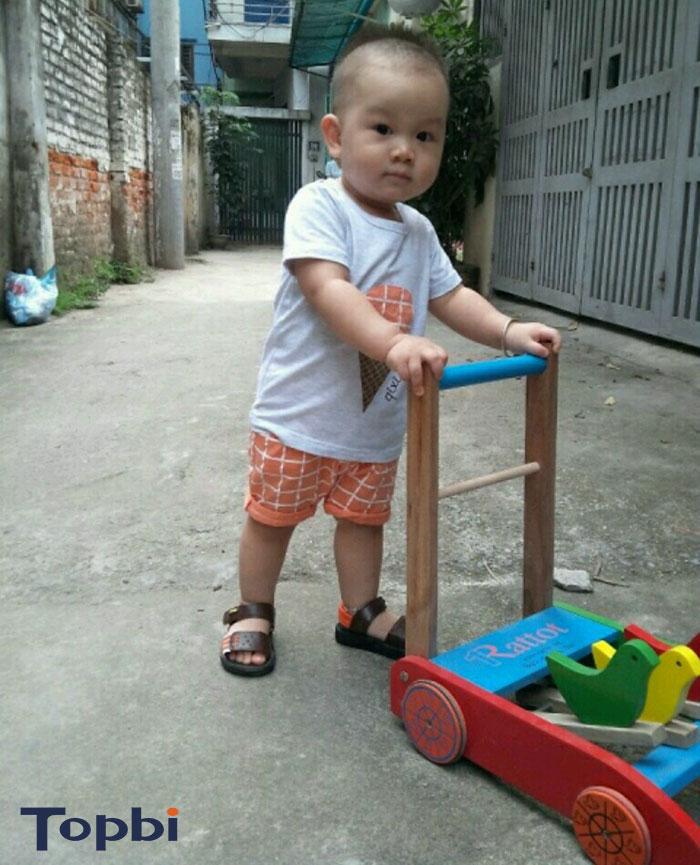 đồ chơi xe dành cho bé 1 tuổi 7